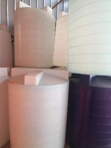 毅鹏低价供应0.04吨至6吨加药箱